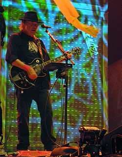Neil Young, 2013 02.jpg