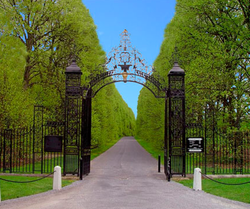 Gates to Old Westbury Gardens
