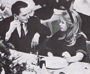 2011 in Sweden - Lena Nyman in 1968, with Olof Palme.