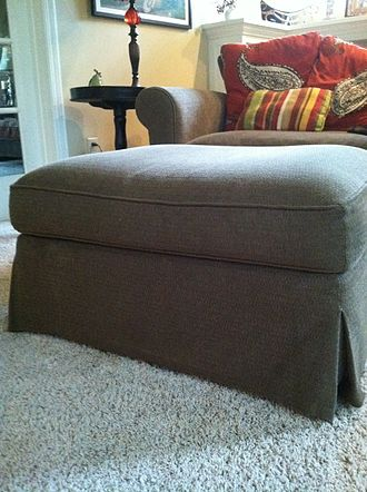Ottoman (furniture) - An ottoman in a living room