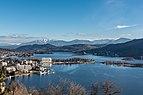 Pörtschach am Wörther See Gloriette-Blick auf Halbinsel und Blumeninsel 22012018 2357.jpg