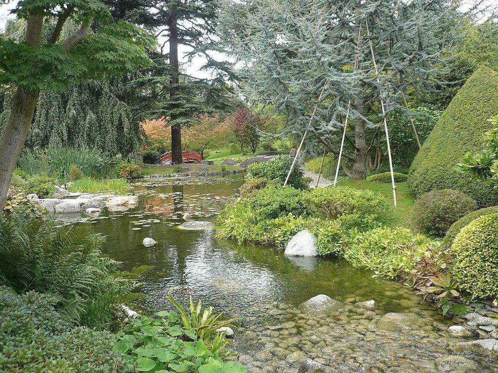 File p1060613 vue etendue sur la jardin japonais moderne jpg wikimedia commons for Jardin moderne photo