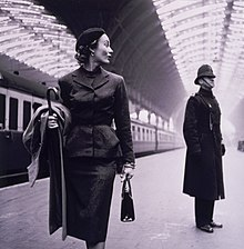 6e33685714 Toni Frissellová  modelka na Victoria Station v Londýně