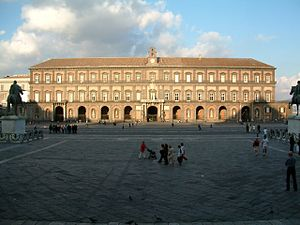 Piazza del Plebiscito - Image: Palac Krolewki z Placu Plebiscytowego