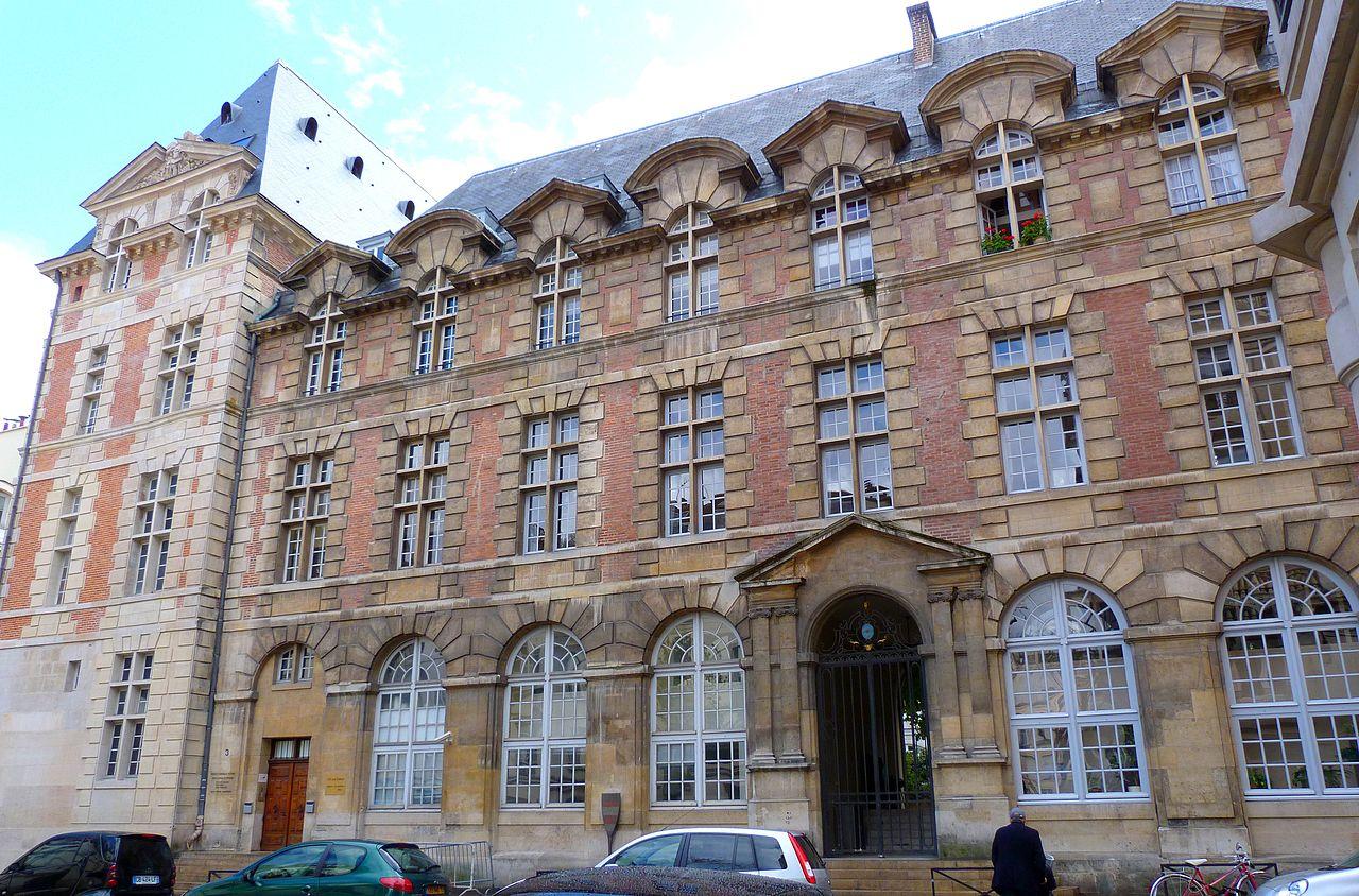 Bon Lundi 1280px-Palais_abbatial_St_Germain