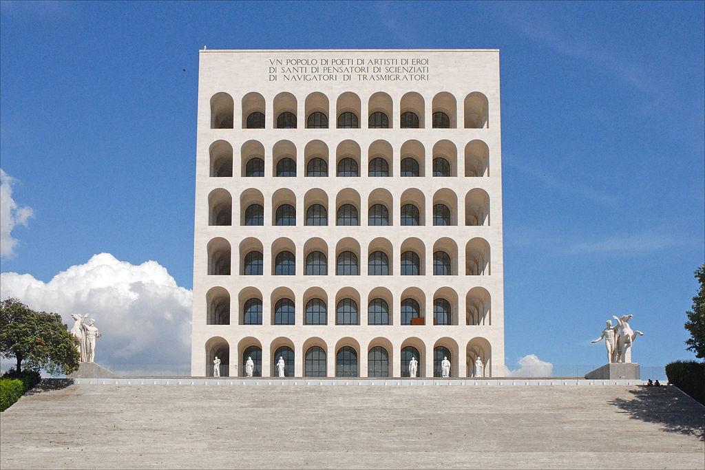 Palazzo della civiltà del lavoro (quartier de l'EUR, Rome) - Photo de Jean Pierre Dalbéra