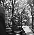 Parade over het Lange Voorhout Prins Bernhard en commandant De Ruyter van Steve, Bestanddeelnr 900-5383.jpg