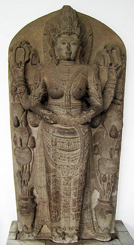 https://upload.wikimedia.org/wikipedia/commons/thumb/9/9f/Parvati_Majapahit_1.JPG/262px-Parvati_Majapahit_1.JPG