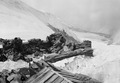 Patrouille auf den Trümmern der zerstörten Theodulhütte - CH-BAR - 3236973.tif