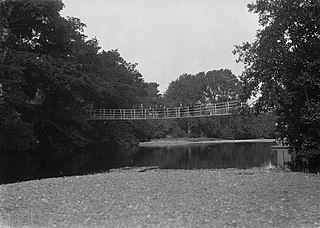 Pedestrian bridge over the river Irfon, Builth Wells