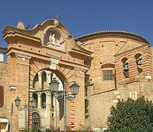 Penne, Abruzzo - Image: Penne porta wiki