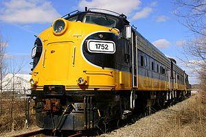 Keokuk Junction Railway - Image: Peoria & Western 1752 EMD FP9 Mapleton 2008