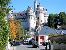 The château de Pierrefonds seen from the village