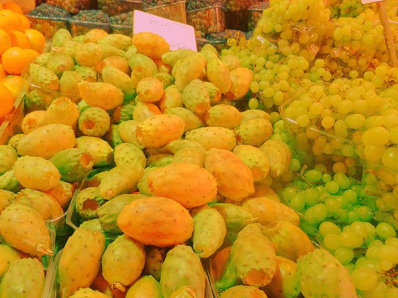סברס וענבים בשוק מחנה יהודה בירושלים