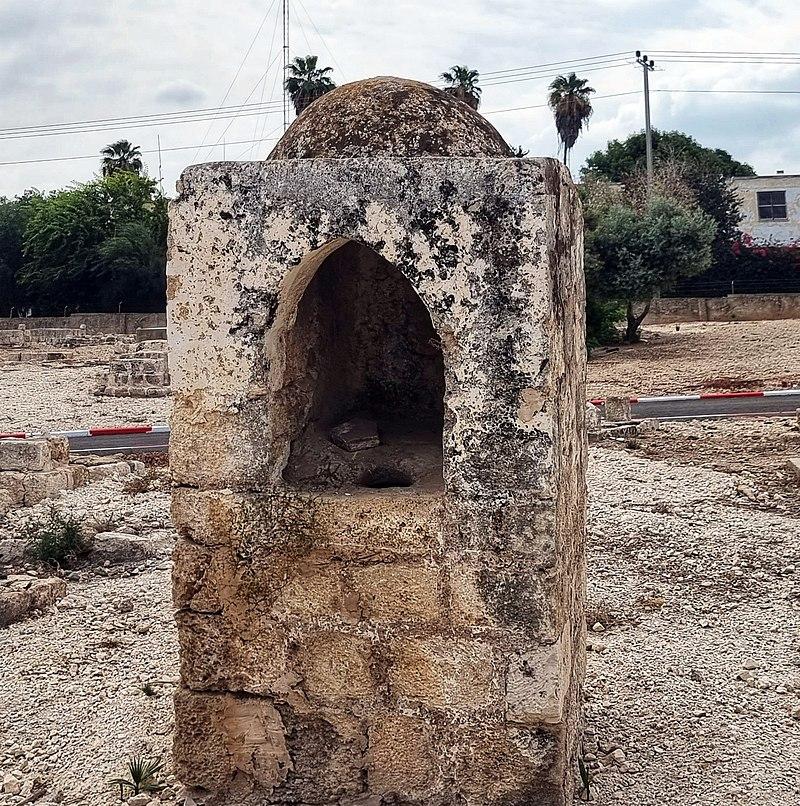 מבנה עתיק לשתיית מים