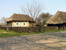 Pirogovo old houses.jpg