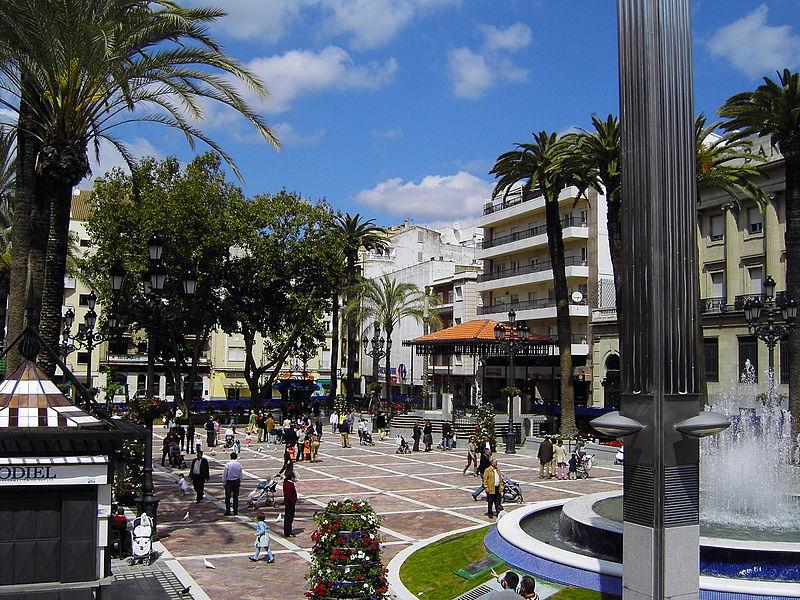 Archivo: Plaza de las Monjas Huelva.JPG