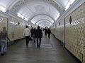 Ploshchad Revolyutsii, transfer to Teatralnaya station (Площадь Революции, переход на станцию Театральная) (4652102945).jpg