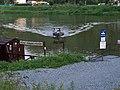 Podbabský přívoz, přístaviště Podbaba, připlouvá Ropucha.jpg