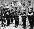 Podpolkovnik Švabić s četo srbskih vojakov.jpg
