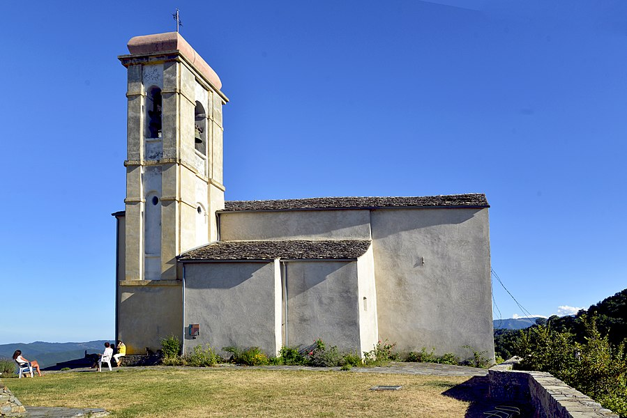 Poggio-di-Venaco, Centre Corse - Façade Nord de l'église paroissiale Saint-Cyr dite San Chirgu.  Camera location  42°15′26.9″N, 9°11′09.86″E  View this and other nearby images on: OpenStreetMap - Google Earth    42.257471;    9.186071