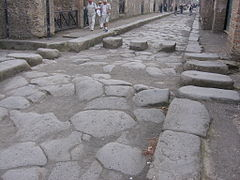 Pompeji-Strasse mit Zebrastreifen