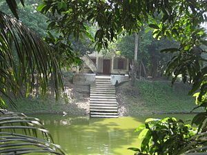 Taltoli Jama Mosque - The lakeside ritual purification spot with old stairs