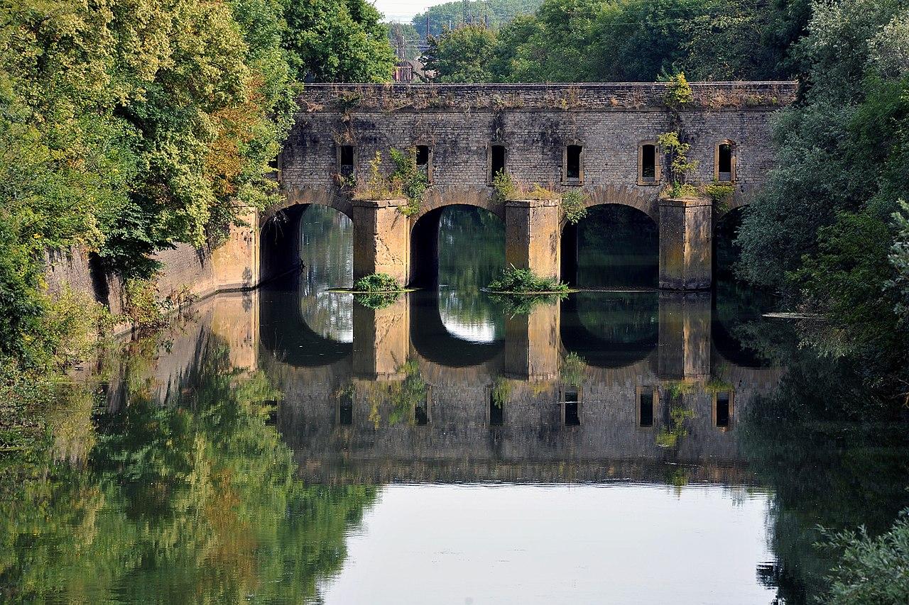 Fichier pont du couronne pont ecluse nord thionville 01 for Piscine thionville