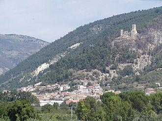 Popoli - The town of Popoli with ruined castle above.