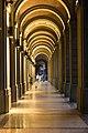 Portico di Via Farini di notte.jpg