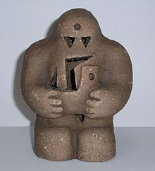 https://upload.wikimedia.org/wikipedia/commons/thumb/9/9f/Prague-golem-reproduction.jpg/220px-Prague-golem-reproduction.jpg