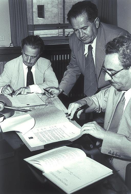 Prime Minister Moshe Sharett signing a pact