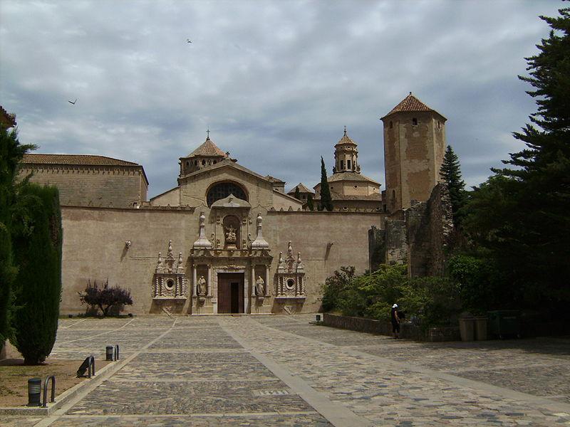 Real Monasterio de Santa Maria de Poblet - Vista Exterior 1.jpg