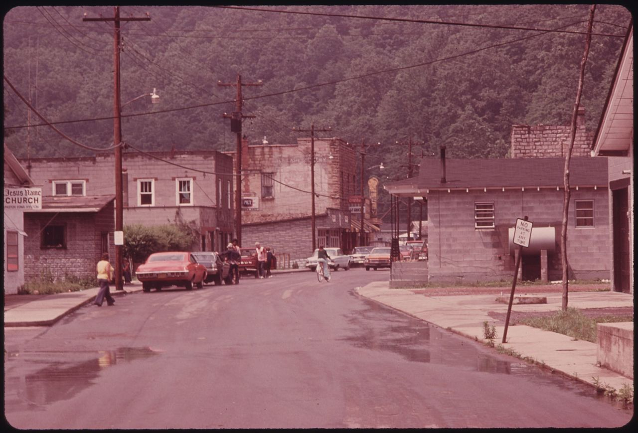 rhodell dating site Rhodell, west virginia detailed profile  rhodell town income, earnings, and  wages data  administrative and support and waste management service  other  grant date: 08/07/2012, expiration date: 08/07/2022, certifier: kevin l  mills,.