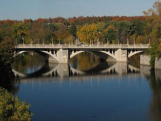 Rideau River - Rideau River under Cummings Bridge separating Sandy Hill from Vanier in Ottawa