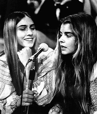 Taryn Power - Romina and Taryn Power, guests of the Italian TV show Tutto è pop, Turin, 1972