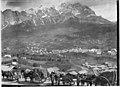Route des Dolomites au premier plan - Cortina d'Ampezzo - Médiathèque de l'architecture et du patrimoine - AP62T019203.jpg