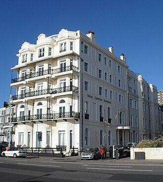 Royal Crescent, Brighton - Image: Royal Crescent Mansions (Former Hotel), Brighton (Io E Code 482119)