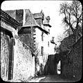 Ruelle de village et maisons (7089828255).jpg