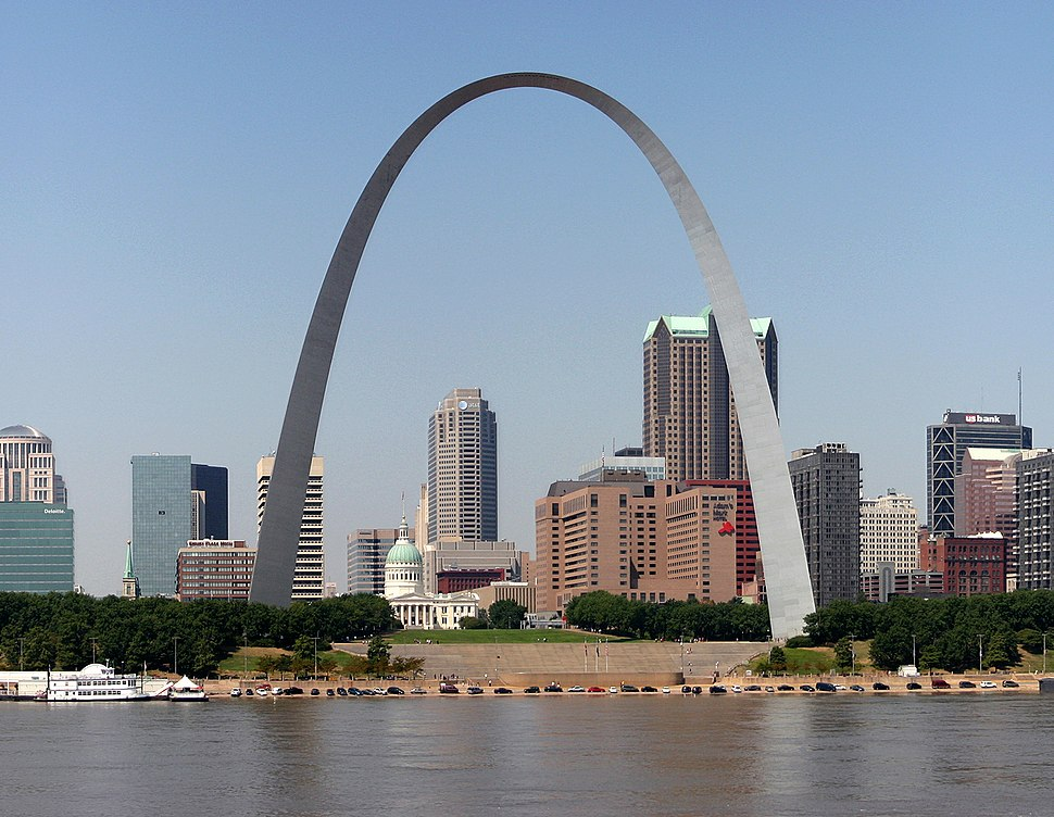 STL Skyline 2007 edit cropped
