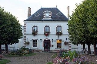 Saint-Arnoult-en-Yvelines Commune in Île-de-France, France