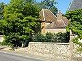 Saint-Germer-de-Fly (60), ancienne ferme de l'abbaye, bâtiments annexes, rue Michel-Greuet.jpg