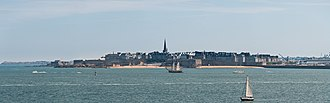 Ille-et-Vilaine - Saint-Malo, the Corsairs' stronghold, view of the walled city from the south-west
