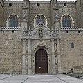 San Juan de los Reyes (Toledo). Puerta lateral.jpg