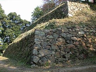 Gassantoda Castle - Image: Sannomaru Ishigaki