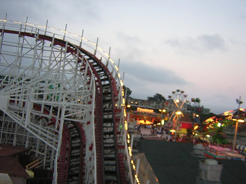 File:SantaCruz BeachBoardwalk GiantDipperFirstOutDSCN9409.JPG