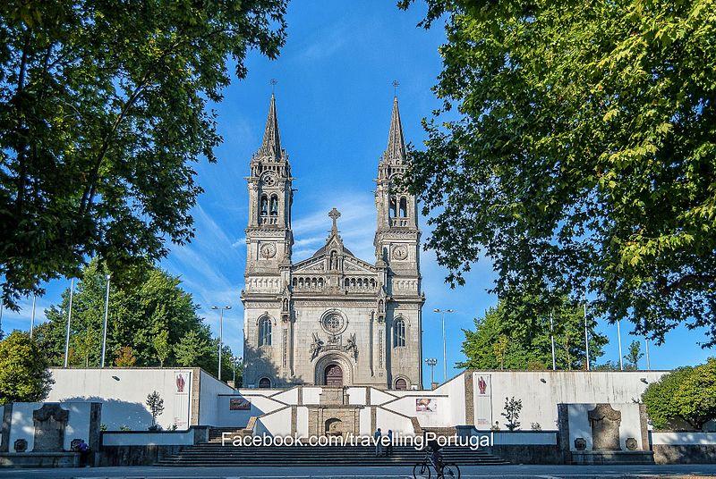 Ficheiro:Santuário Sao Torcato de Guimaraes.jpg