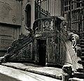 Scala in piperno della chiesa di San Nicola a Nilo - Naples.jpg