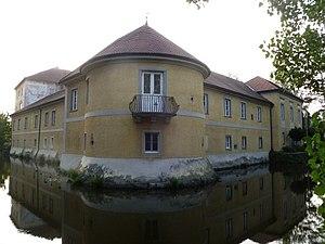 Schloss_Weidenholz-Turm.jpg