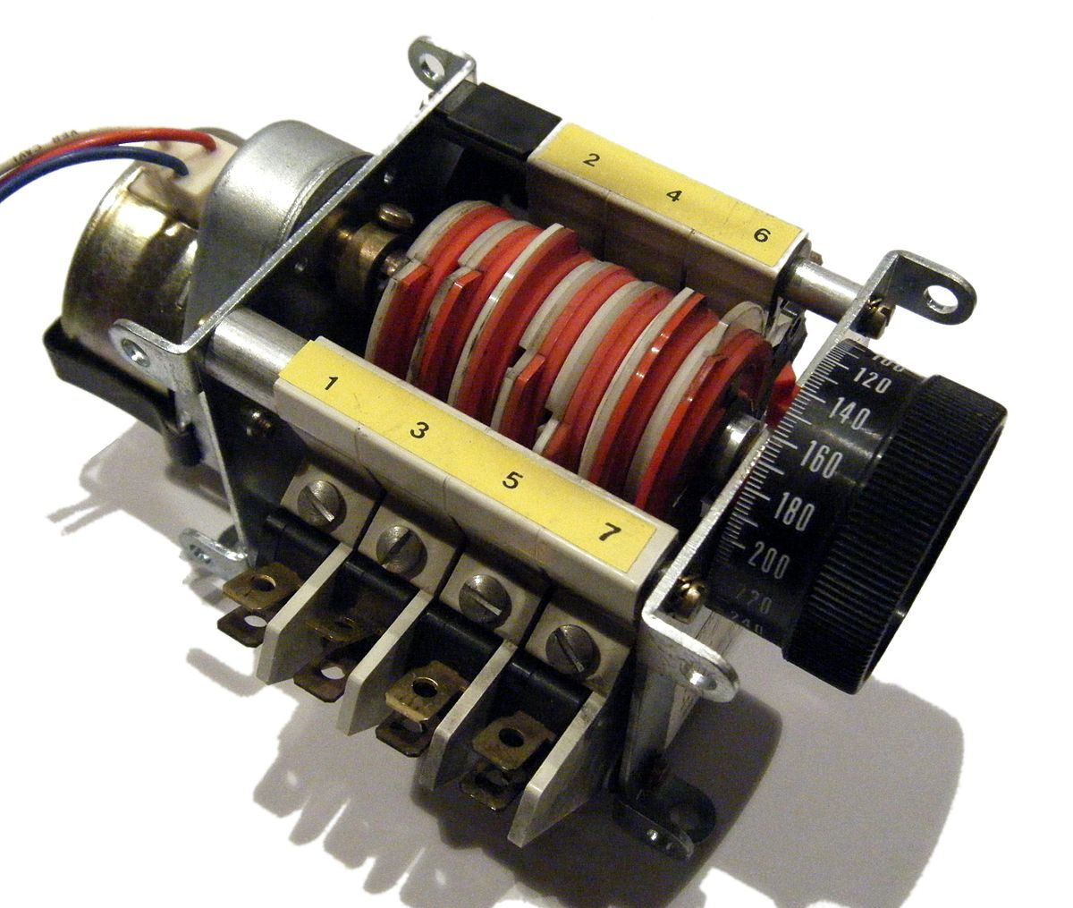 Cam timer wikipedia for Electric motor timer control